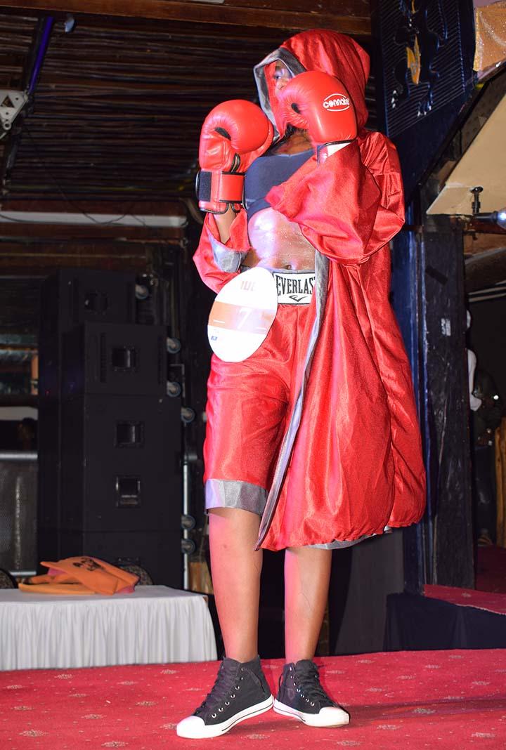 Mashujaa Awards 2017: Model Angela Nzisa hits the runway for the Professional Category