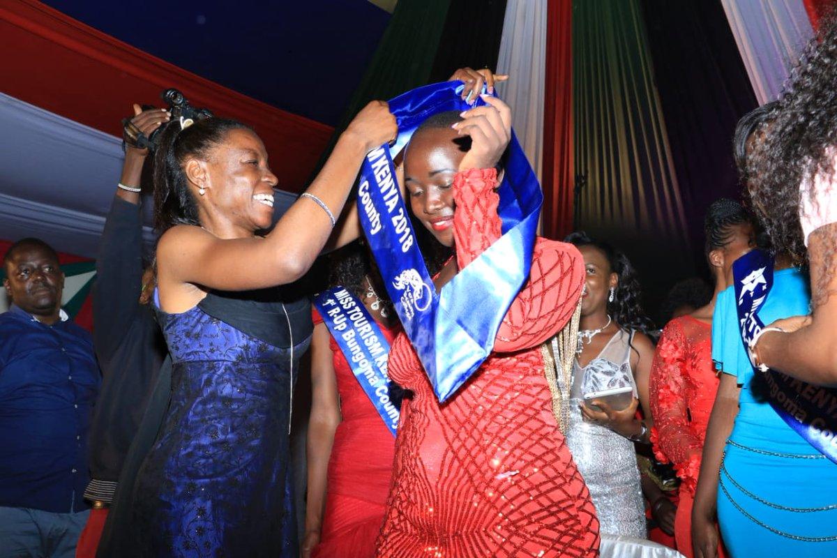 Bungoma County First Lady Mrs Caroline Wangamati crowning the New Miss Tourism after she was declared winner